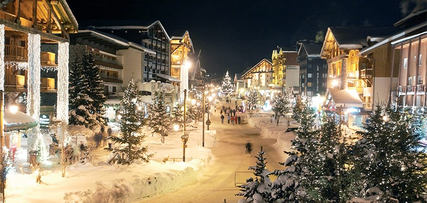 Val dIsere Nightime.jpg
